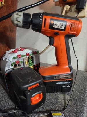 Black and decker drill, batteries and charging station. for Sale in NEW PRT RCHY, FL