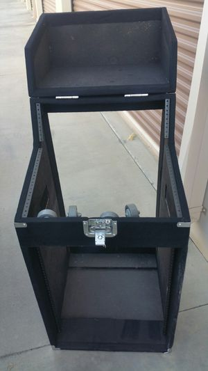 Dj Case Rack for equipment and mixee for Sale in Fresno, CA