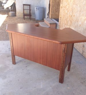Solid wood computer desk. Mahagony finish. for Sale in San Diego, CA