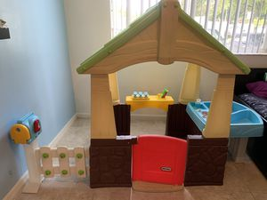 Little tikes playground (very good condition) for Sale in Hallandale Beach, FL