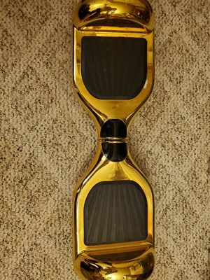 Gold Hoverboard w/lights (for nightsight) for Sale in Lake Grove, OR