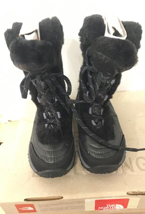 North face Snow boots kids size 10 for Sale in Chicago, IL