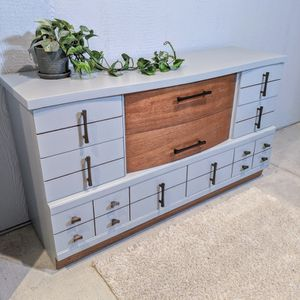 8 Drawer MCM Dresser for Sale in Tacoma, WA