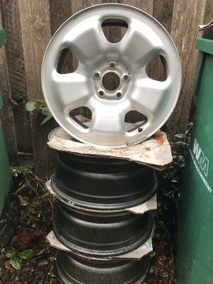 "Jeep rims 17"" for Sale in Troutdale, OR"