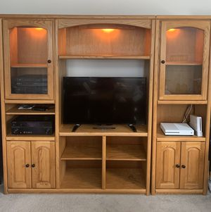 Amish Built Solid Oak Entertainment Center for Sale in Cary, NC