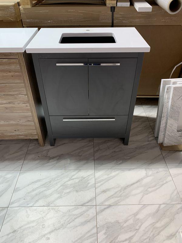 "28"" Single Sink modern bathroom vanity cabinet with white quartz and sink"