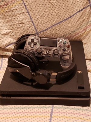 Ps4 bundle for Sale in Marietta, OH
