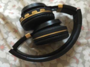 Headphones (Bluetooth) BT300 for Sale in Kennewick, WA