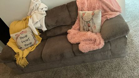 Couch For Sale Need Gone Today for Sale in Columbus,  OH