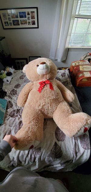 Giant plush Teddy bear for Sale in San Bernardino, CA