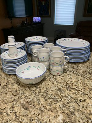 Set of Plates And Coffe Cups and bowls for Sale in Hialeah, FL