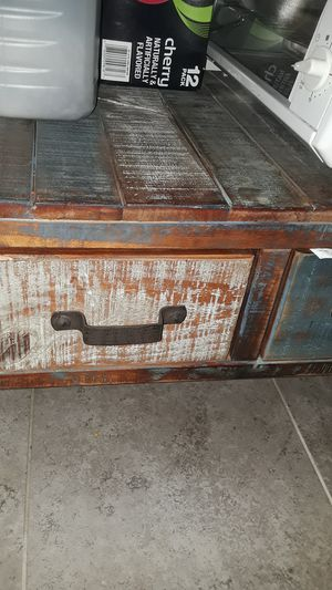 Small table for kitchen, dining room, entry way etc. for Sale in Fremont, CA
