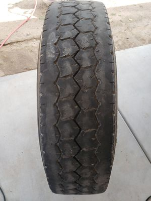 275/80/22.5 semi truck tires good for drives or trailer i have 7 like this one $200 for all of them for Sale in Tolleson, AZ