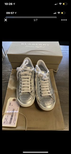 Burberry size 6 for Sale in Mission Viejo, CA