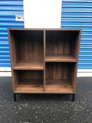 Small Modern bookcase / shelf unit for Sale in Laguna Beach, CA
