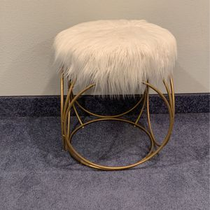 Fluffy Target Chair for Sale in Vancouver, WA