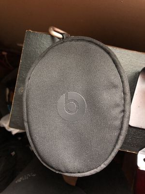 Beats Solo wireless 3 soft shell case for Sale in Waukegan, IL