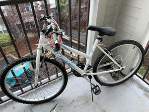 Huffy women's bike with lock for Sale in Atlanta, GA