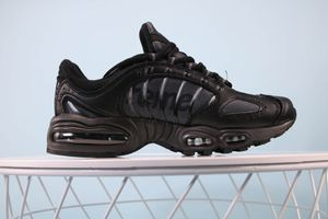 Nike airmax tailwind size 5 for Sale in Gulfport, FL