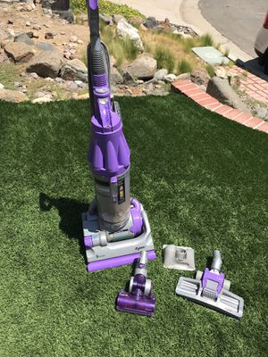 Dyson vacum for Sale in Canyon Lake, CA