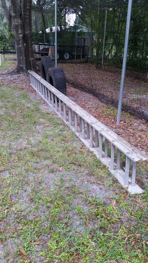 20-40 foot aluminum ladder for Sale in Lutz, FL