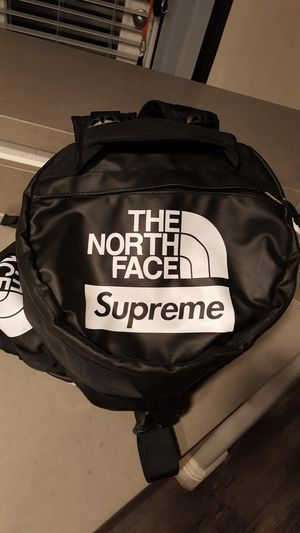 Supreme & The North Face Duffle Bag for Sale in Henderson, NV
