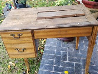Sewing Machine Desk for Sale in Norwalk,  CA