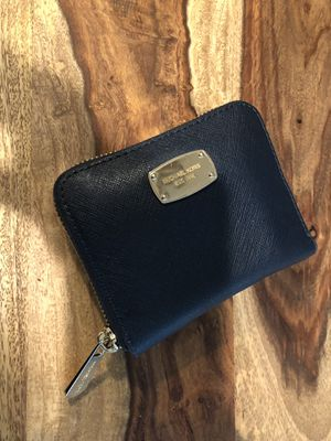 Michael kors navy women's wallet for Sale in Costa Mesa, CA