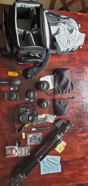 Nimon D3200 with 3 Lens for Sale in Tampa, FL