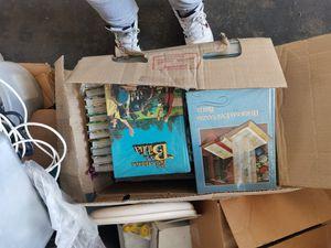 CAJA llena de libros de la biblia en español for Sale in Santa Ana, CA