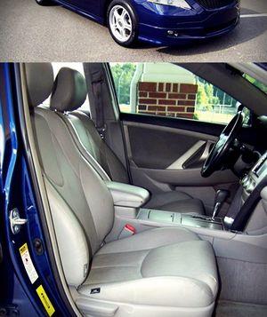 Sedan 2OO9 Toyota Camry Selling $1000 for Sale in Joliet, IL