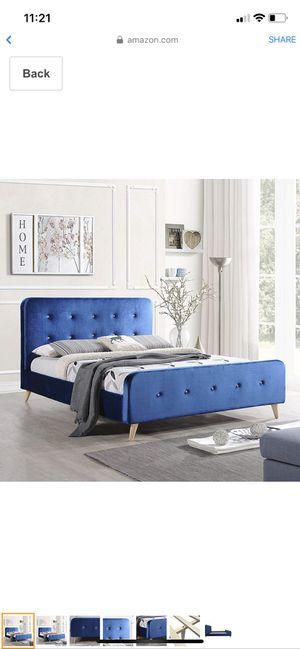 Queen platform bed frame + mattress for Sale in Miami, FL