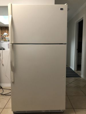 Refrigerator MAYTAG for Sale in Bradenton, FL