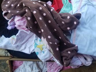 Newborn Clothes Free for Sale in Cleveland,  OH