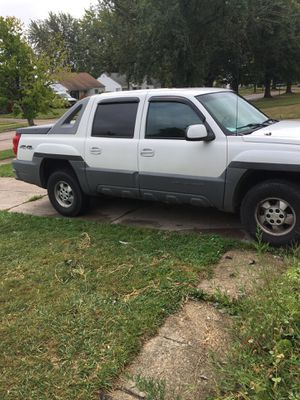 2002 Chevy Avalanche, for Sale in Cleveland, OH