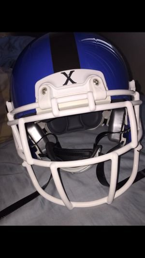 Xenith size youth large helmet NEW USED for Sale in Detroit, MI