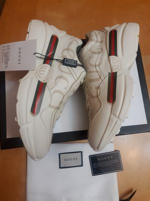 GUCCI WOMEN SNEAKERS SZ 7 EURO SZ 37 for Sale in New Bedford, MA