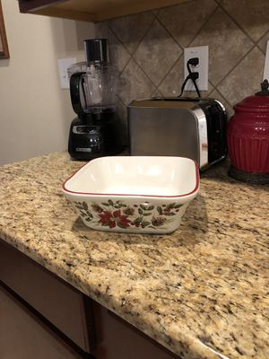 Longaberger Christmas Bowl for Sale in Ruskin, FL