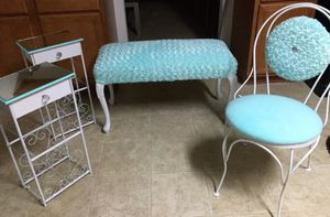 Beautiful set! Bed bench,vanity chair and stands perfect for a dressing room,princess room etc.., for Sale in Poinciana, FL