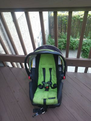 Graco car seat for Sale in Philadelphia, PA
