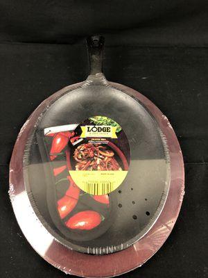 NEW Lodge Cast Iron Oval Fajita Griddle Pan Skillet Set- POT HOLDER ON HANDLE for Sale in Houston, TX