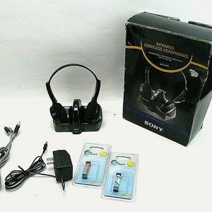 Sony MDR-IF240RK Headband Wireless Headphones - Black for Sale in Virginia Beach, VA