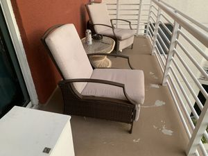 (2) outdoor lounge chairs FREE!!! for Sale in Riviera Beach, FL