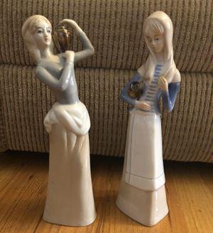 (2) Porcelain Ceramic Figurines Tan/blue basket/pail Lladro style. for Sale in Haledon, NJ