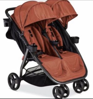 Combi Double Fold N Go Stroller Salsa Color for Sale in Tacoma, WA