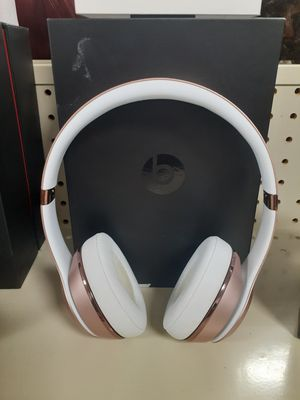 Beats by Dre Wireless solo 3 for Sale in Lima, OH