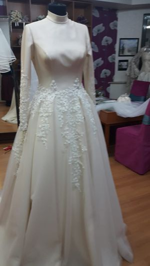 Muslim wedding dress for Sale in Raytown, MO