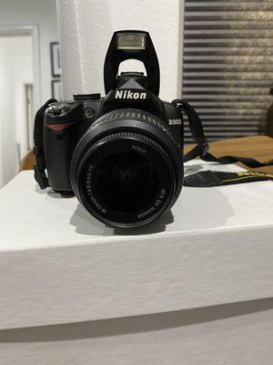 Fully functioning Nikon D3000 w/ Nikon DX AF-S Nikkor lense 18-55 MM for Sale in Manhattan Beach, CA