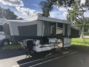 1996 Coleman PopUp tent camper trailer. Super cute! for Sale in Miami Beach, FL