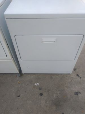 Whirlpool Electric Dryer with warranty for Sale in Fresno, CA